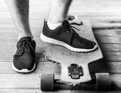 drop-through skate deck
